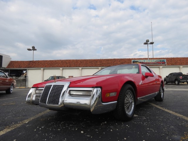 Pontiac Dealer Miami Tracking The Lot Time Of Used Cars Can Save You Money Blue And Yellow