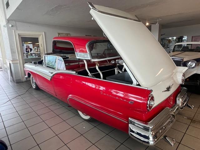 Used 1957 FORD FAIRLANE SKYLINER   Miami, FL